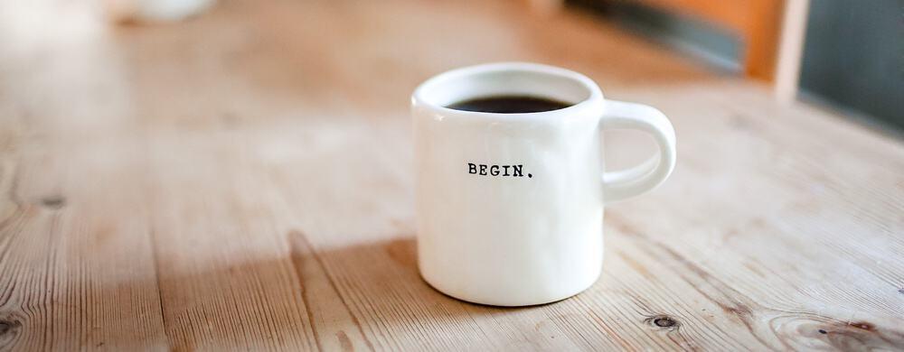 kubek z kawą na początek roku